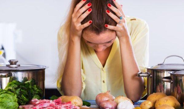 Mal di testa: i cibi che lo alimentano